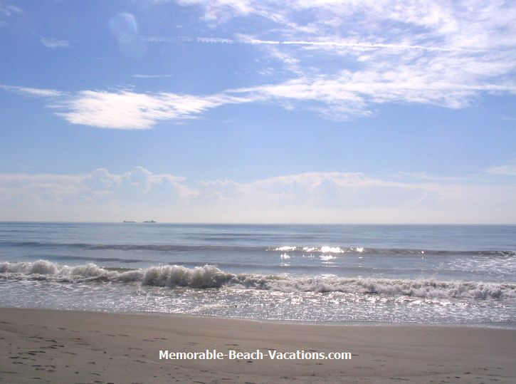 Florida - Cocoa Beach - Atlantic Ocean - on Florida Vacation Beaches Screensavers III page