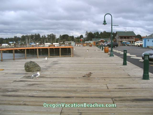 Coos Bay Boardwalk next to harbor