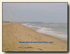 Virginia Beach picture - Sand beach to North toward Pier