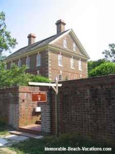 Yorktown - Nelson House - Check out the cannon ball hit in the east front room - Virginia vacations pictures