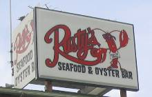 Rusty's Seafood Restaurant Sign